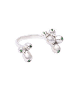 Produkt Prsten stříbrné třešně se zelenými zirkony